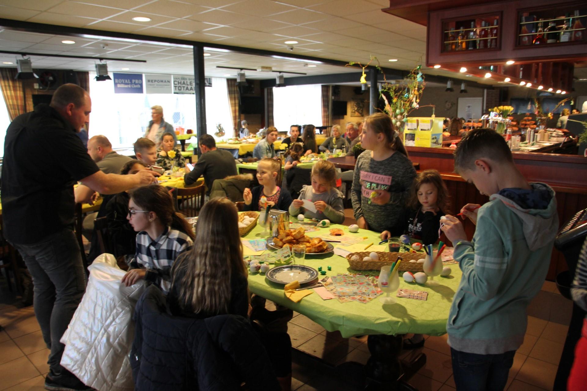 Lunchen in de kantine - Camping de Eekhoorn